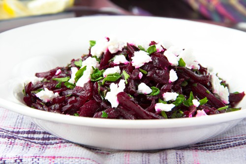 Beets with Mixed Greens Salad Recipe