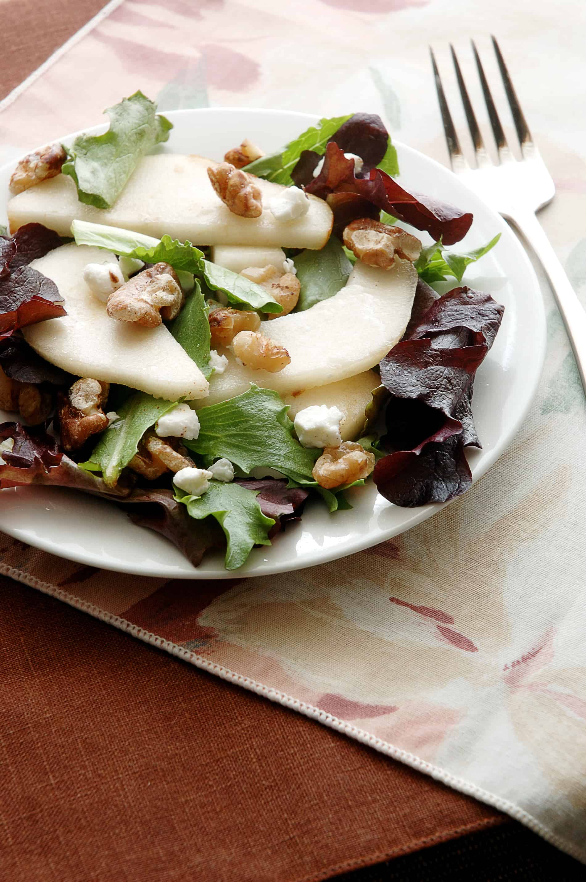 Pear & Walnut Salad Recipe