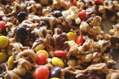 Halloween Popcorn, Halloween Caramel Corn, Caramel Corn, Halloween Popcorn recipe